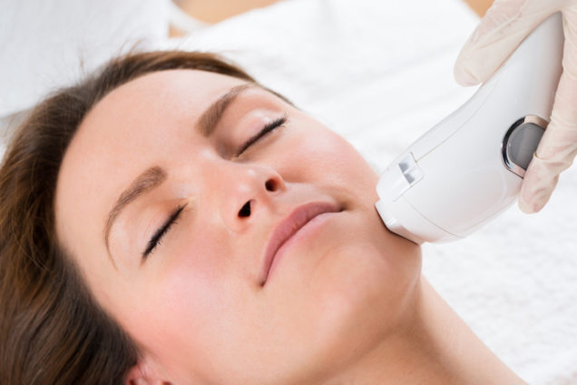 Microdermabrasion vs Peel